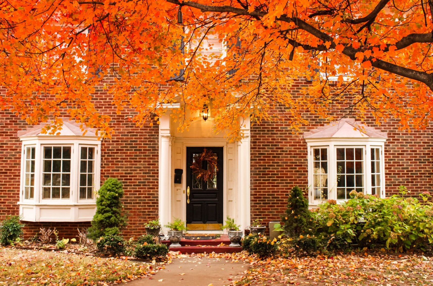 house-hunting-tips-to-help-you-find-the-right-home-in-burlington-team-logue-real-estate-autumn-home