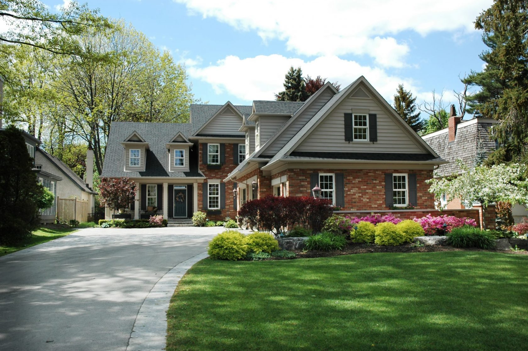 home staging Burlington real estate listings | Team Logue